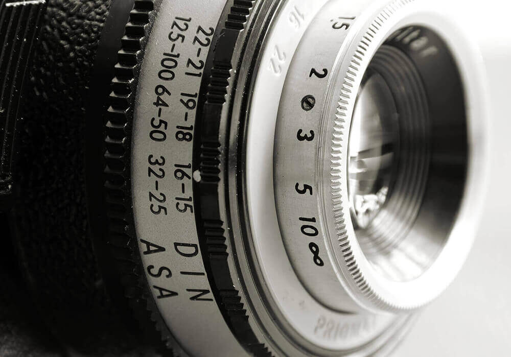 image of a camera lense to represent how we incorporate visual media in our business